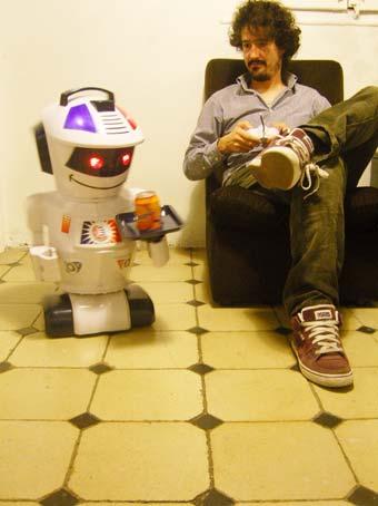 emiliorobot.jpg