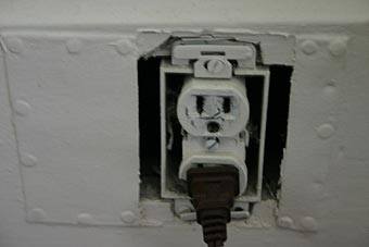 power-socket3