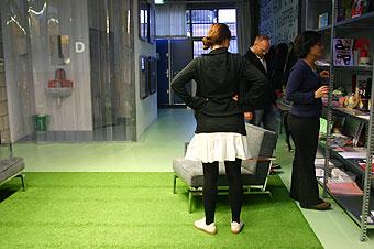 atelier-van-gog-inside