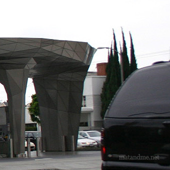 bp-green-gas-station-los-angeles