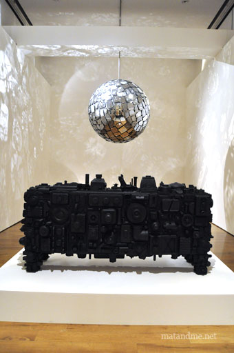 mirror-ball-by-stuart-haygarth