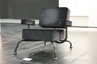 bad-club-chair-by-atelier-lieshout
